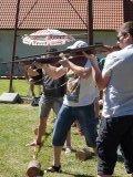 zbraně táhnou...